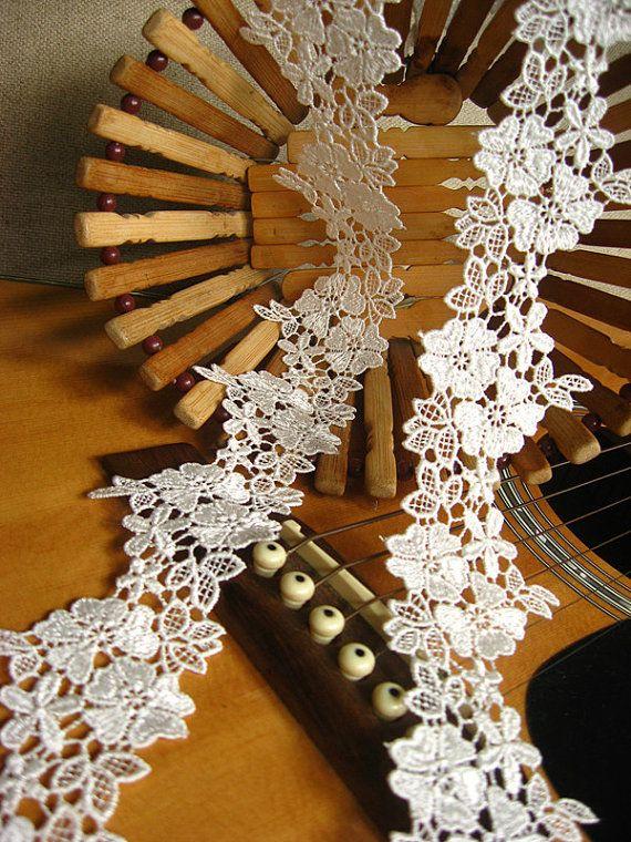 White venise lace trim, crocheted lace trim, retro floral trim lace, vintage flowers lace trim, bridal lace