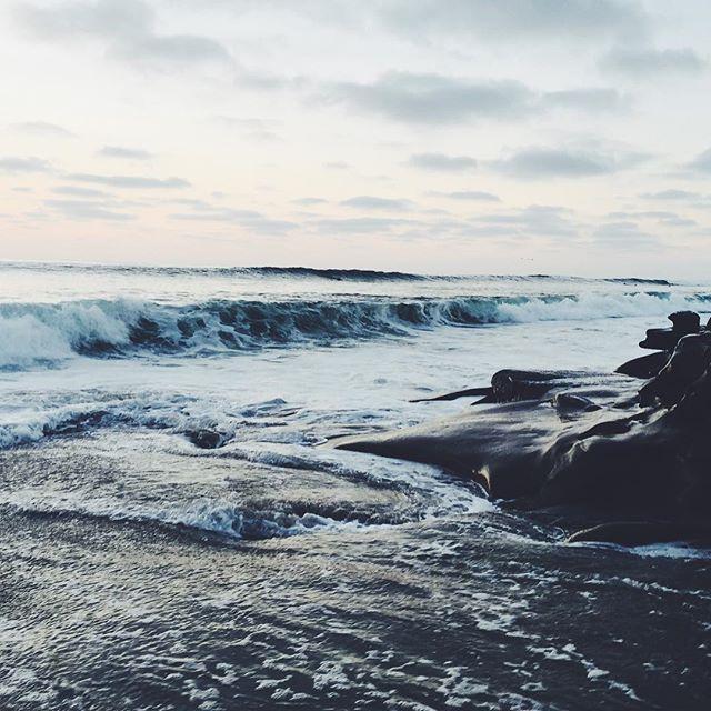 Catch a breeze⚡️📷 #beach #ocean #waves #surf #california #igers #brandymelville #photographer #follow #followforfollow #tweegram #rvca #lajolla #lajollalocals #sandiegoconnection #sdlocals - posted by Johnny Versace Jimenez  https://www.instagram.com/johnnyversace. See more post on La Jolla at http://LaJollaLocals.com