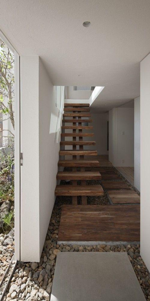 Oltre 20 migliori idee su pareti bianche su pinterest for Migliori piani casa a due piani 2016
