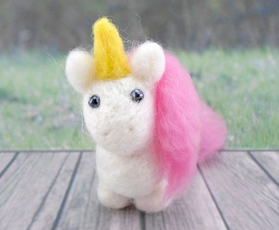 *To apply a Published Discount, check out the Coupon Code on https://www.etsy.com/shop/gattinigifts (Announcement Section)  ♥ This needle felted Pet is a Magic Unicorn who loves Rainbows ♥ Take it home!  This friend measures approximately 3 in x 1.3 in x 3.9 in  This Unicorn is handmade You will take home exactly the Unicorn of the photo :D  Its made out of soft & high quality Wool (100% Pure Wool), with beads in his eyes Gattini gifts Needle Felted Pets can be great g...
