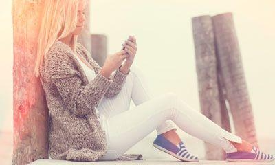 De witte broek is een echte klassieker. Hij is koel om te dragen, stijlvol en zomers. Toch kun je bij…