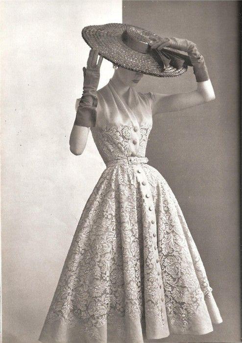 dior new look. Neo romance era. Love this original Parisienne style