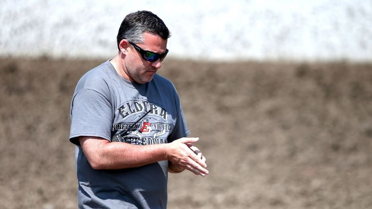 Tony Stewart wants many claims dismissed in wrongful death lawsuit