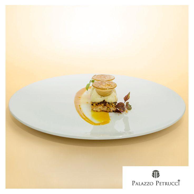 Bacquoise di pistacchio crema leggera al lime salsa di mango semifreddo di pistacchio, lime e scaglie d'oro. #foodporn #ricette #Linoscarallo
