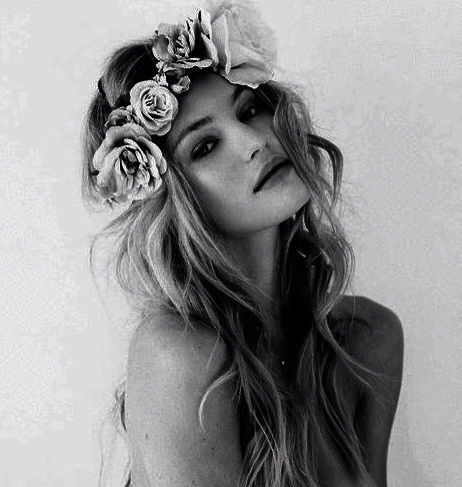 Someone has to have a party fabulous enough this summer for me to do this flower crown thing. (Yes, I'm thinking about summer. So what.)