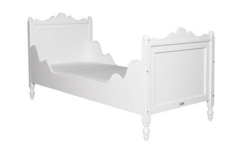 Romantisch bed Belle 90 x 200 in het wit van Bopita, een echt meisjesbed. Degelijk bed dat jaren meegaat, de lattenbodem is inbegrepen.