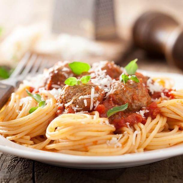 Spaghetti à la bolognaise et sauce tomate maison
