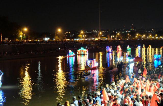 festival banjir kanal barat semarang 2016