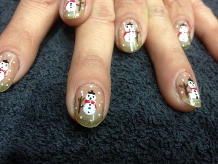Navidad 2012. un muñeco de nieve en tus manos. Tus uñas más navideñas del año. ¡Atrévete! ¡Diviértete! ¡Disfrútalo! #uñas #estética #navidad #peluquerías #pepa #viñas #fiestas #fin #de #año
