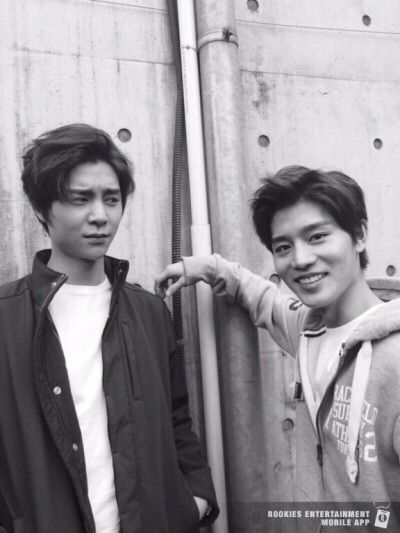 Johnny and Taeil #SMROOKIES (Johnny judging the hell out of Taeil)