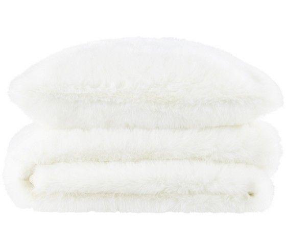 Kuscheldecke aus Fellimitat in Weiß - flauschig und weich