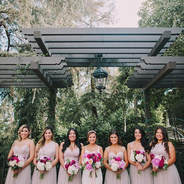 How beautiful is this bridal party!?⁣ .⁣ .⁣ To book your bridal beauty trial now, contact us through the link in our bio.  We can't wait to help...