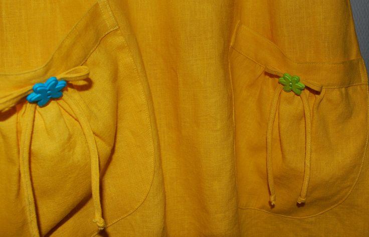 Keskiviikko mekossa on ihanat Amerikasta asti hankitut napit