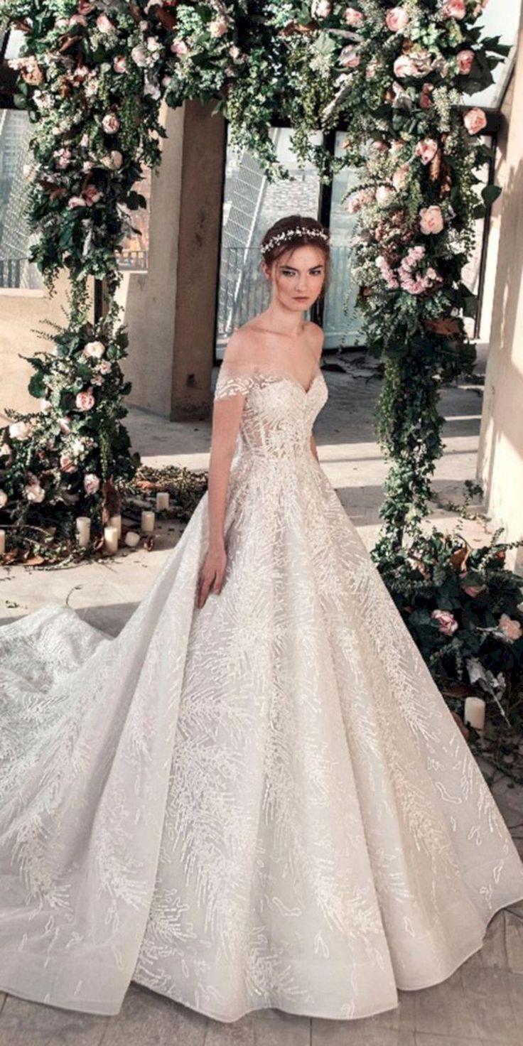43 Brilliant Ball Gown Wedding Dresses