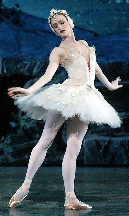 So beautiful.... just pure grace.  Gillian Murphy as Odette - American Ballet Theatre