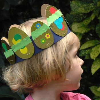 Instead of an Easter bonnet, make an Easter egg crown. Easy enough for your child to do. #Costume #Dressup