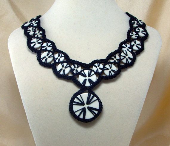 crochet bouton necklace2