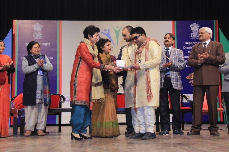 Kumari Shailja presents Antardrishti with the award
