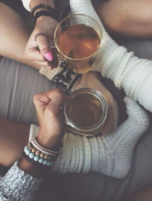 List of important things: #LyfeTea, cozy socks and best friends.