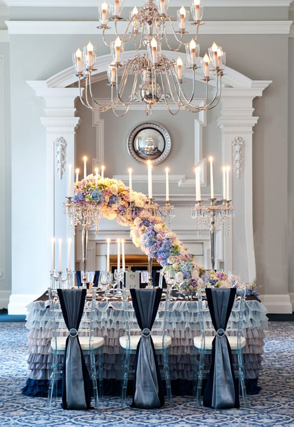 Interesting, but kind of looks like a caterpillar to me #centerpiece #flowers #wedding @Mandy Bryant Dewey Seasons Bridal