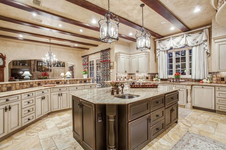 View 36 photos of this $3,250,000, 6 bed, 8.0 bath, 11301 sqft single family home located at 1901 Point De Vue Dr, Flower Mound, TX 75022 built in 2005. MLS # 13684686.
