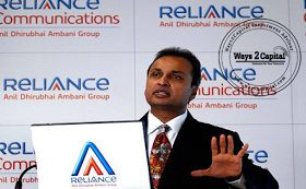 Shares of Reliance Communications dipped over 4 per cent on the Bombay stock Exchange after the global rating agencies, Moody's Investors