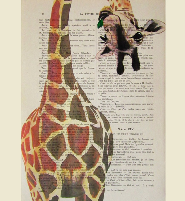 Unique Art Giraffe with green leave
