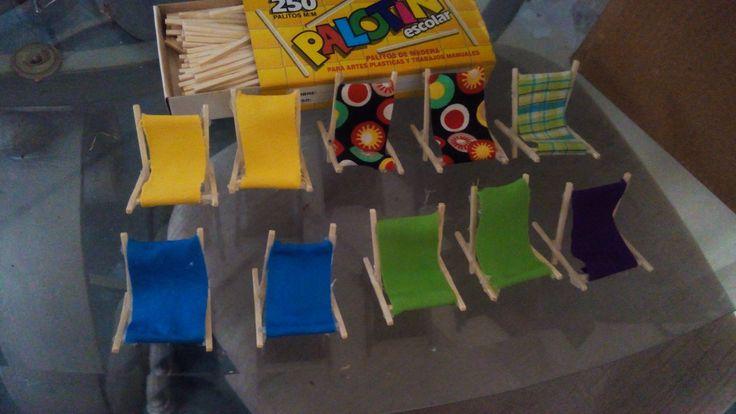 Mini sillas playeras con palotines
