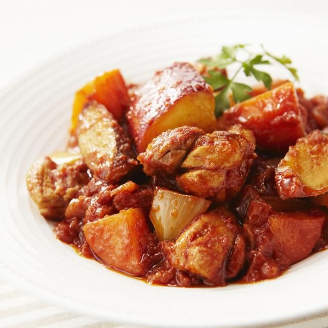 「基本のトマトソース」の旨みを含んだ根菜がクセになるおいしさ!おろししょうが入りでぽかぽかです☆ - 72件のもぐもぐ - 冬野菜と鶏肉のトマト煮 しょうが風味 by カゴメトマトケチャップ