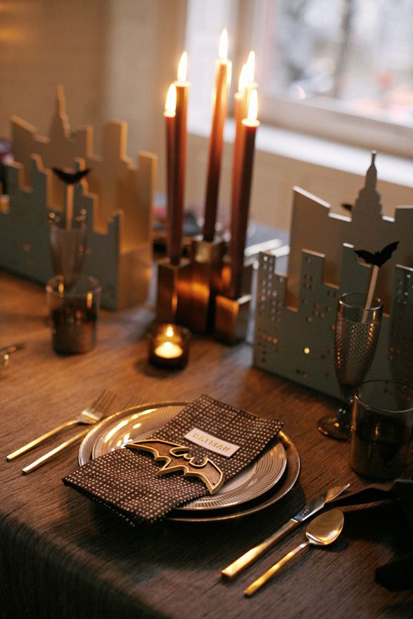 GOTHAM HALLOWEEN TABLETOP Coco + Kelley channels Batman for some festive dining decor.
