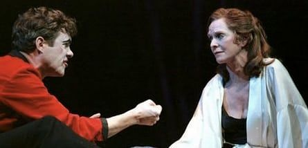 Alex Jennings as Hamlet with Susannah York in the RSC's New York production of the tragedy.