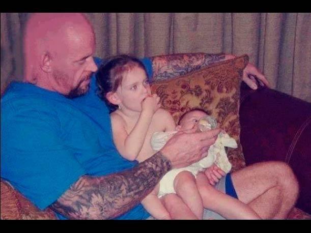 Fotos antiguas, pero nunca antes vistas en redes sociales. Conoce a los familiares de las Superestrellas de WWE.