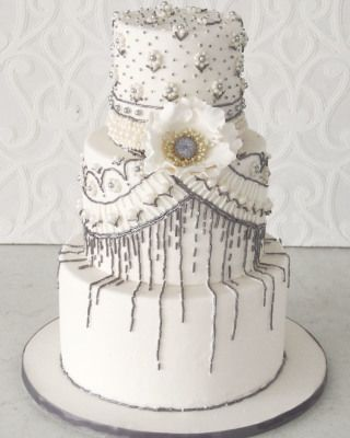 Intricately placed beaded details adorned this stunning cake.