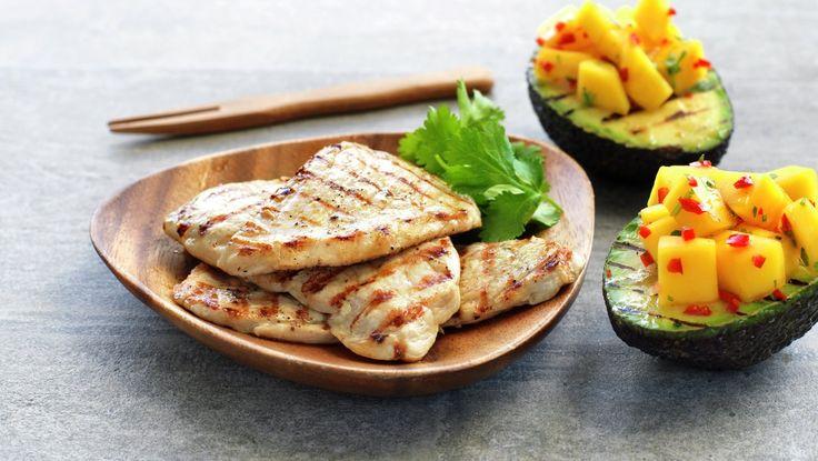 Grillet skinkebiff med fylt avokado