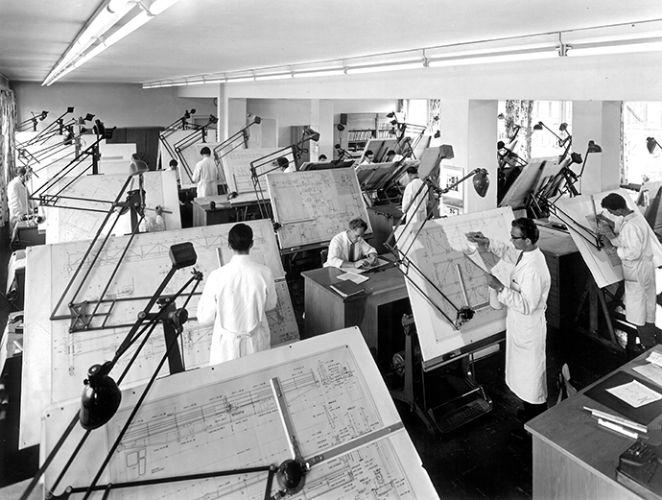 Das technische Büro im 1954 neu errichteten Verwaltungsgebäude. http://blog.hiro.de/2015/10/02/hirostory-umbau-in-den-50er-jahren/