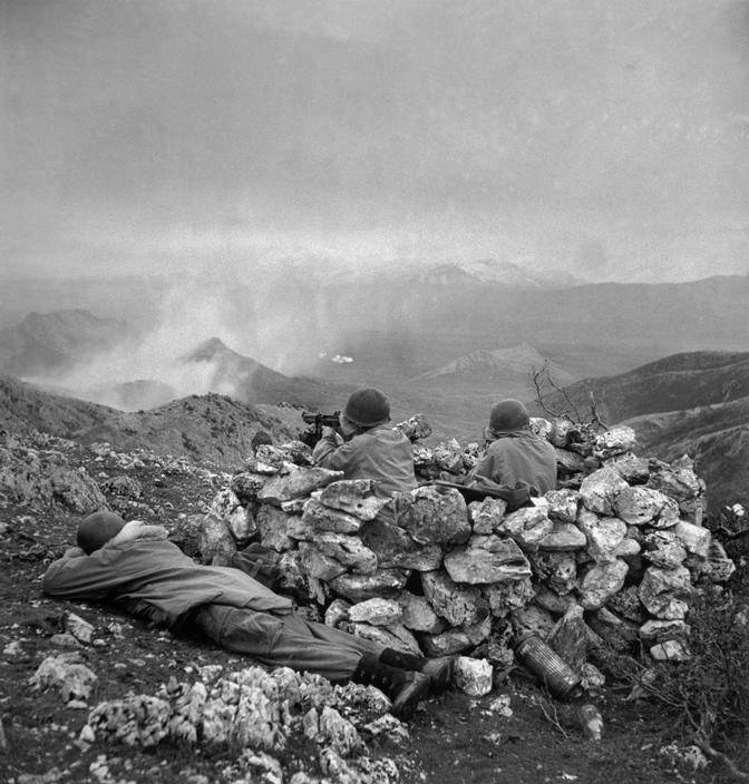 ITALY. Outside Radicosa, near Cassino. January 4th, 1944. The US/Canadian First Special Service Force. Robert Capa