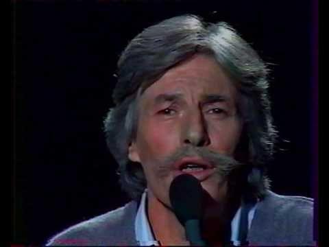 ▶ 1985 - B. Pivot chez Jean Ferrat - 12 que serais-je sans toi + interview.wmv - YouTube