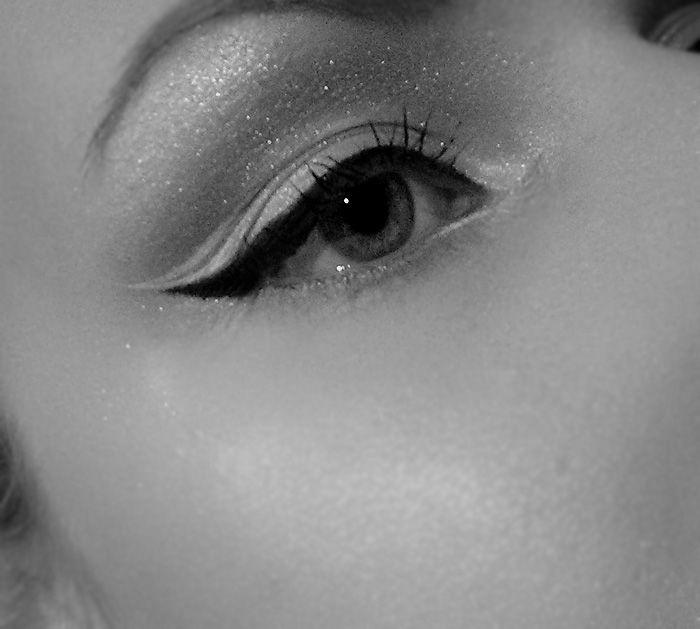 Eyeliner look with Kat Von D white Tattooliner #makeup #eyeliner #inspiration