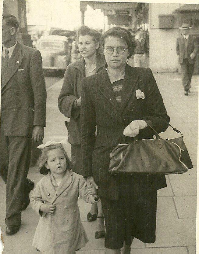Ivy May Dewar (Osbourne) & Susan Dewar