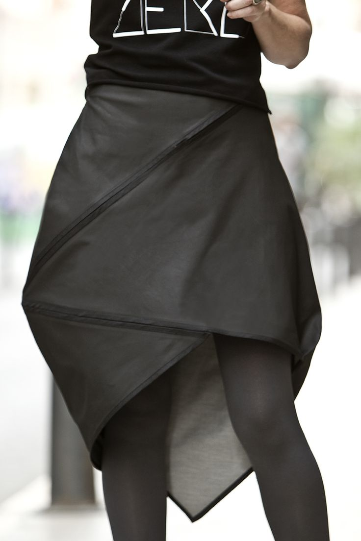 Zero waste skirt. Adjustable. Sizes from 38 to 44 (Europe). Made in Valencia (Spain)