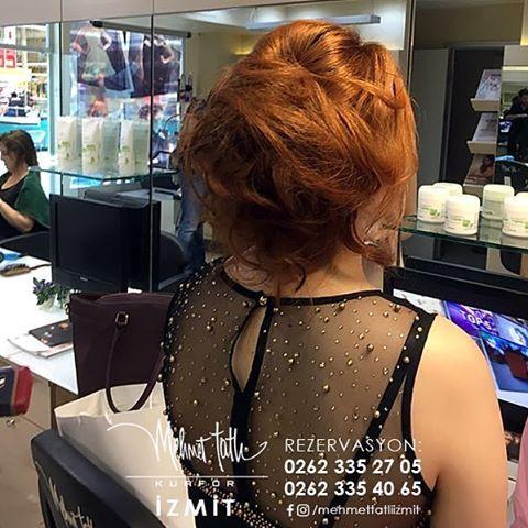 Dünyanın en seçkin saç bakım markalarını, İzmit'in tek prestijli markası Mehmet Tatlı' da bulabilirsiniz Bilgi ve Rezervasyon 0262 335 27 05 - 0262 335 40 65 #hair #beauty #saç #makyaj #mehmettatlıizmit #mehmettatlı #gelinsaçı #cool #blonde #sarışın #sarısaç #saçbakım #kerastase #haircare #weddinghair http://turkrazzi.com/ipost/1517637382244254932/?code=BUPuyiKhcTU