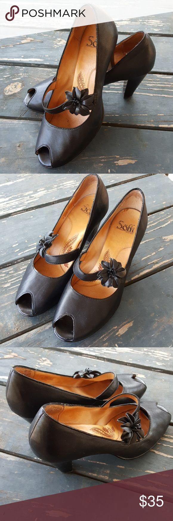 Sofft Black Leather Open Toe Heels w/Flower Strap Sofft Black Leather Open Toe Heels w/Flower Strap Sofft Shoes Heels