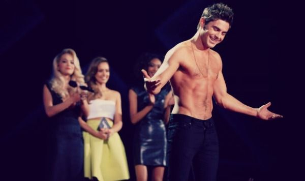 ¡Zac Efron sin camisa en los MTV Movie Awards! | Cine y Series