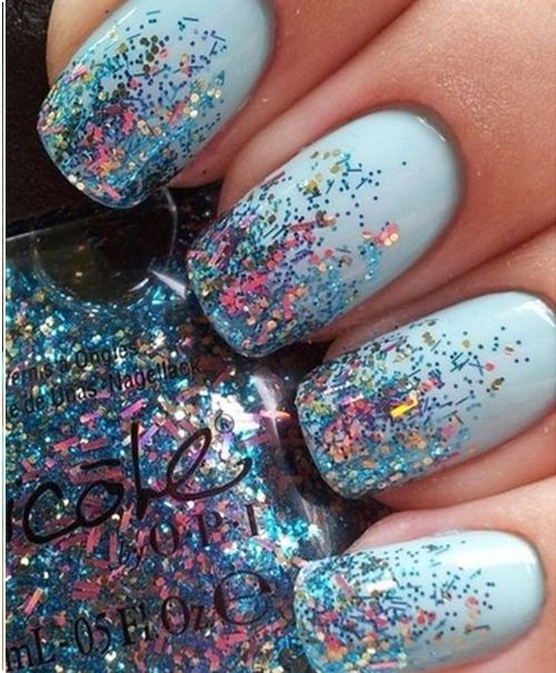 Pale Blue Glitter Nails: Style Craze picks a few Nail Polish designs with Glitter Styles from around the world.