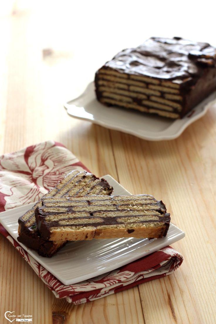 Mattonella al cioccolato e biscotti secchi - Cucino per Passione