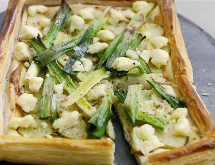 New Potato and Leek Tart with Crumbled Cheshire Cheese | Recipe by Red Tractor