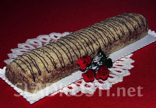 Ořechová roláda s čokoládovým krémem
