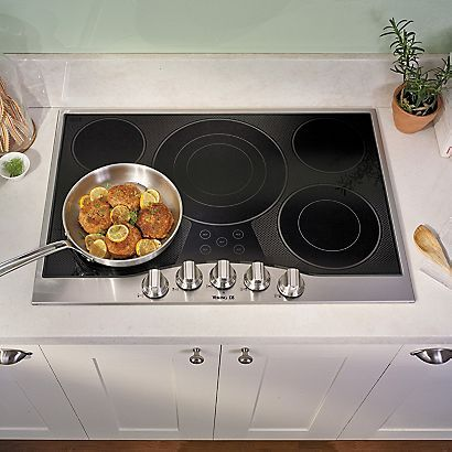 "The D3 Series 30"" Built-In Electric Cooktop is a powerful 5 burner cooktop with a wide variety of surface elements to offer professional-type cooking power. #Viking #D3"