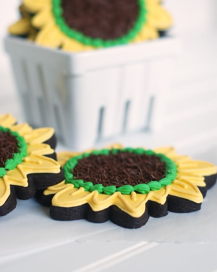 Bake at 350: Here Comes the Sun (flower)...