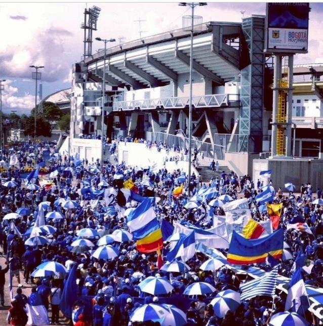 Millonarios, Fiesta, Carnaval,Millos, Millonarios fc, Banderas, Astas, Sombrillas, Hinchada, Bogotá